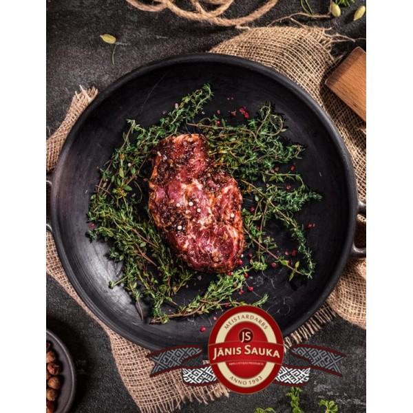Marinēts cūkgaļas kakla karbonādes steiks plūmju marinādē